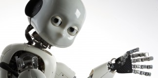 Robot Bambino Icub bianco