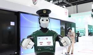 robot poliziotto 2